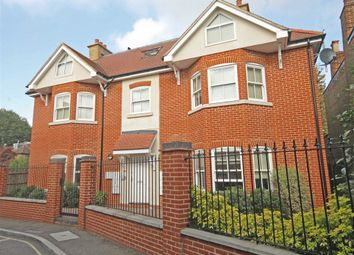 Thumbnail 1 bed flat to rent in Holly Road, Twickenham