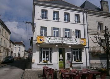 Thumbnail Pub/bar for sale in Chalais, Charente, France