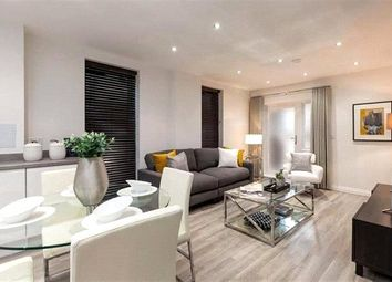 Thumbnail 2 bedroom flat for sale in Oakleigh Grove, Sweets Way, Whetstone, London