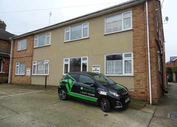 2 bed maisonette to rent in Ongar Road, Brentwood CM15