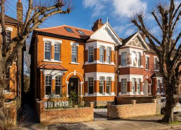 Thumbnail 2 bedroom flat for sale in Granville Gardens, London