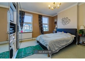 Room to rent in Wyndham Road, Kingston Upon Thames KT2