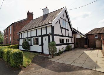 Thumbnail 3 bed property for sale in Macclesfield Road, Holmes Chapel, Crewe