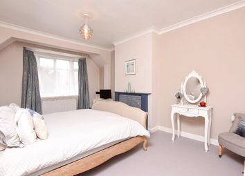 Thumbnail 3 bed flat to rent in Topsham Road, London