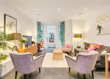 Thumbnail 3 bed flat for sale in Lavender Sweep, London