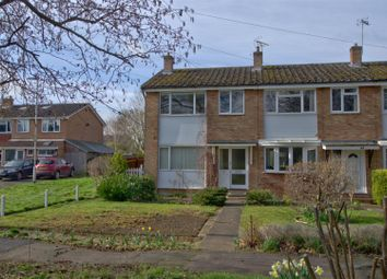 Thumbnail 3 bed detached house to rent in Meadowfield Road, Sawston, Cambridge