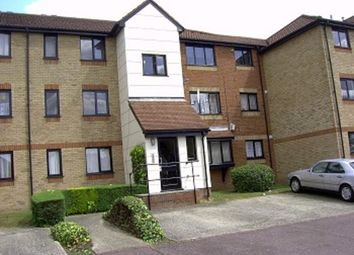 Thumbnail Studio to rent in Magpie Close, Enfield