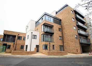 Thumbnail 2 bed flat for sale in Gartlet Road, Watford