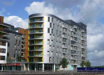 Thumbnail 2 bed flat to rent in Hayward, Chatham Place, Reading