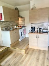 Thumbnail 2 bed flat to rent in High Street, Kings Heath