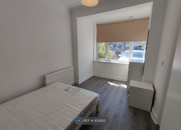 Eastern Avenue, Ilford IG4. Room to rent