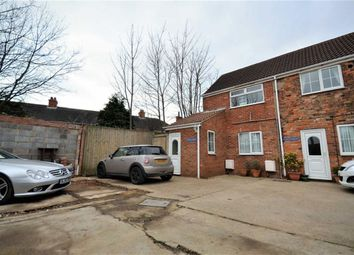 Thumbnail 2 bedroom flat for sale in Cromwell Road, Grimsby