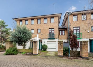3 bed property to rent in Plover Way, London SE16