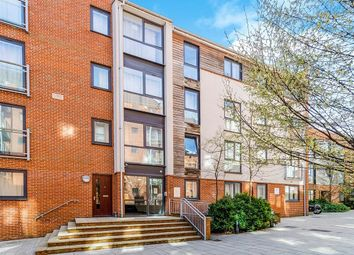 Thumbnail 1 bedroom flat for sale in Castle Way, Southampton