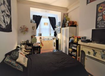 Thumbnail 1 bed property to rent in Oriental Place, Brighton