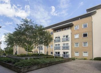 Thumbnail 2 bed flat to rent in New Southgate, London