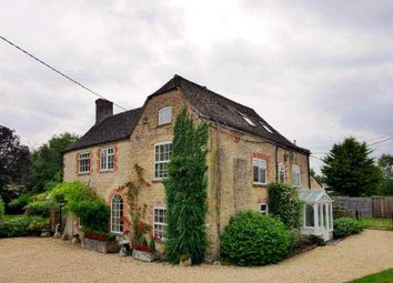 Thumbnail 6 bed detached house to rent in West Mill Lane, Cricklade, Swindon