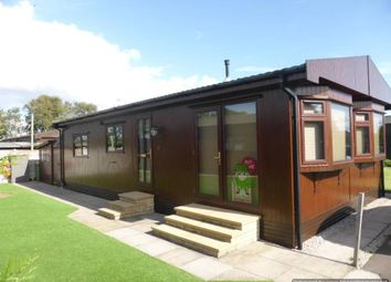 Thumbnail 2 bed mobile/park home for sale in Fossdyke Walk, The Elms, Torksey, Lincoln
