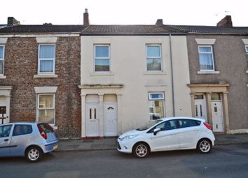 2 bed flat for sale in William Street, North Shields NE29