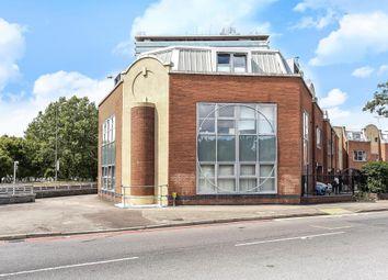 Thumbnail 2 bed flat for sale in Barnsbury Lane, Surbiton