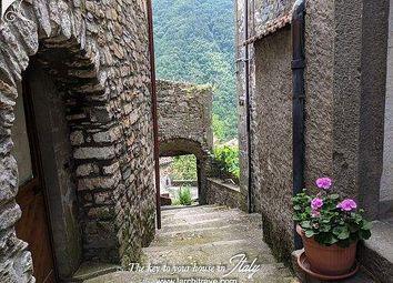 Thumbnail Town house for sale in Via Montebello, 20, 54016 Licciana Nardi Ms, Italy