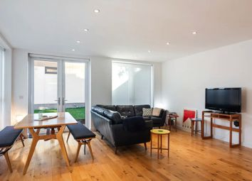 2 bed detached house to rent in St. Thomas's Mews, London SE7