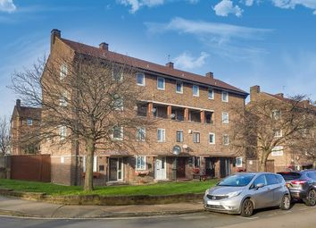 2 bed maisonette for sale in Charles Grinling Walk, London SE18