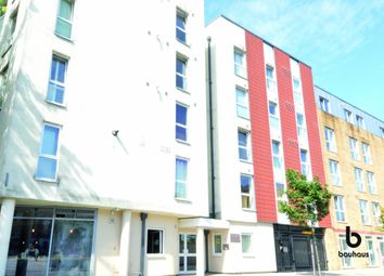 Thumbnail 2 bed flat for sale in Enfield Road De Beauvoir Town, London