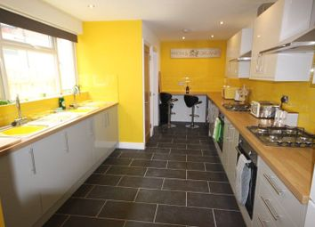 Thumbnail 6 bed terraced house to rent in Holderness Road, Hull