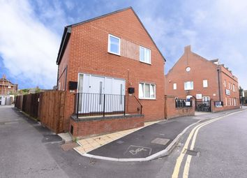 Thumbnail 1 bed flat to rent in Hummer Road, Egham