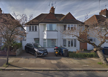 Thumbnail 1 bed flat to rent in Golders Gardens, Golders Green