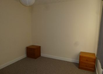 Thumbnail 2 bed flat to rent in Malmerswell Road, High Wycombe
