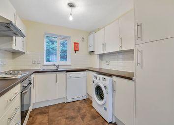4 bed maisonette to rent in High Street, Whitton, Middlesex TW2