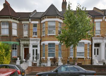 Thumbnail 2 bed flat to rent in Mildenhall Road, Hackney