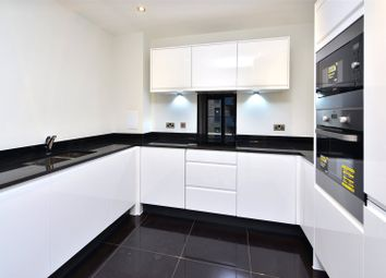 Thumbnail 2 bed flat to rent in Hythe House, Finsbury Park