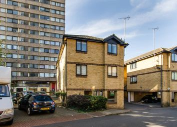 Thumbnail 1 bed flat to rent in Fairchild Close, Battersea