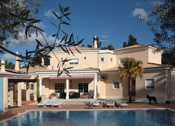 Thumbnail 4 bed villa for sale in Portugal, Algarve, Portimao