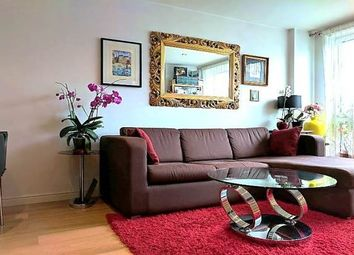 Thumbnail 1 bed flat to rent in Oyster Wharf, Battersea, London