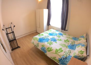 Thumbnail 6 bed flat to rent in Turin Street, London