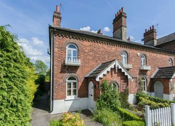 East Common, Gerrards Cross SL9. 2 bed cottage for sale