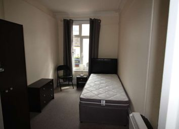 Thumbnail 3 bedroom flat to rent in Royal Court, Kings Road, Reading