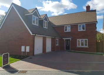 Thumbnail 5 bed detached house for sale in Farrendon Court, Off Stratford Close, Aston Clinton, Aylesbury