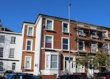 Dorchester Road, Weymouth DT4. 2 bed flat