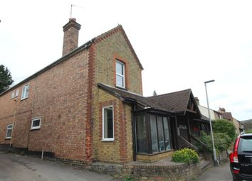 Thumbnail 2 bed flat to rent in Rucklers Lane, Kings Langley