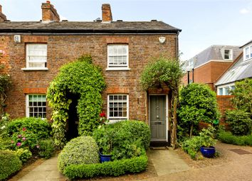 Thumbnail 2 bed cottage for sale in Haygarth Place, London