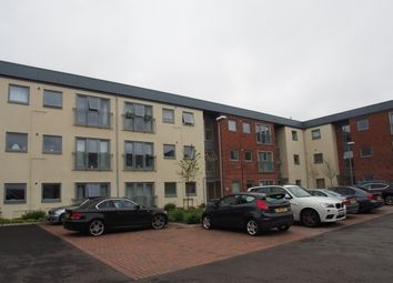 Thumbnail 2 bedroom flat for sale in Wentworth Place, London Road, Binfield, Berkshire