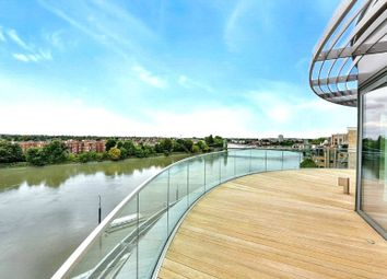 Thumbnail 5 bed flat to rent in Goldhurst House, Parr's Way, Fulham Reach, London