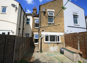 Thumbnail 2 bedroom property for sale in Cliff Avenue, Westcliff-On-Sea