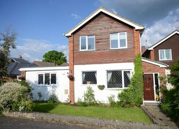 Thumbnail 3 bed detached house to rent in Kendall Avenue, Shinfield, Reading