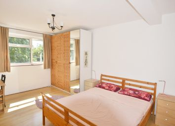 Thumbnail 3 bed flat to rent in Fountayne Road, London